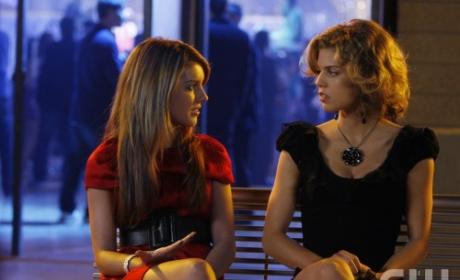 "90210 Episode Guide, Photos, Quotes & More from ""There's No Place Like Homecoming"""