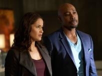 Rosewood Season 1 Episode 22 Review: Badges & Bombshells