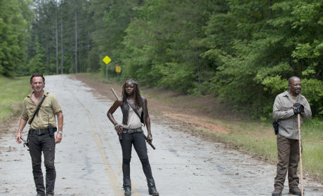 On the road again - The Walking Dead Season 6 Episode 1