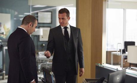 Watch Suits Online: Season 5 Episode 1