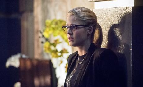 Felicity Looks On - Arrow Season 4 Episode 17