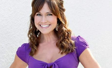 Nikki Deloach to Play Dead on Ringer