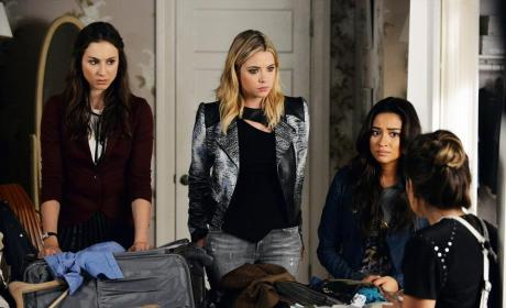 What Was That? - Pretty Little Liars Season 5 Episode 21