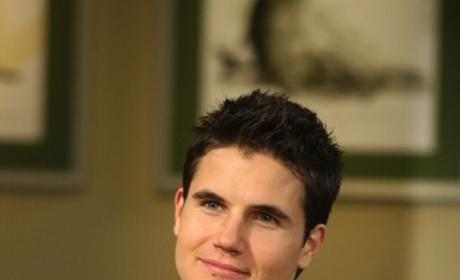 Robbie Amell Cast on Pretty Little Liars As...