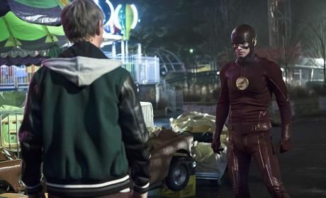Hey Griffin - The Flash Season 2 Episode 19