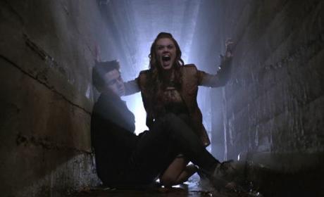 Lydia Screams as Allison Dies