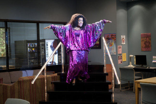 Community Season 3 Premiere Pic