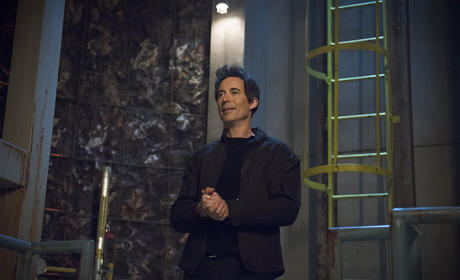 The Flash Picture Preview: Going Underground