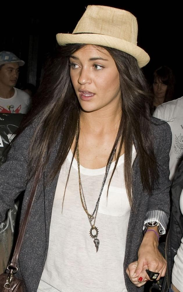 She's Szohr 2 Please