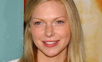 Laura Prepon Cast as Nikki Heat on Castle