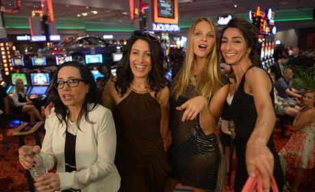 Off to Las Vegas - Girlfriends' Guide to Divorce