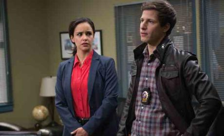 "Melissa Fumero Teases Twisty Brooklyn Nine-Nine Finale, Labels Andre Braugher a ""Total Dork"""