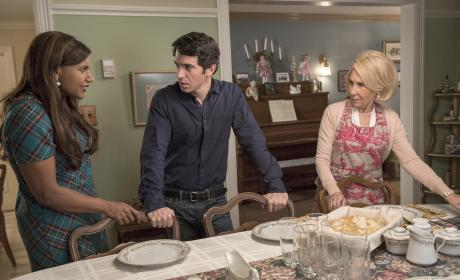 The Mindy Project Season 3 Episode 15 Review: Dinner At The Castellanos