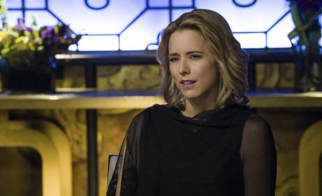 Madam Secretary Season 1 Episode 12 Review: Standoff