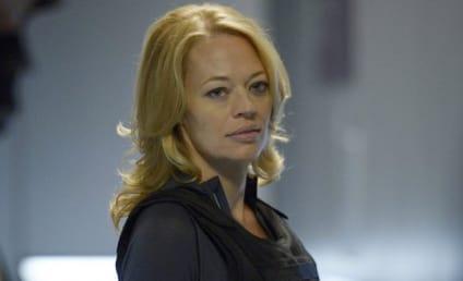 Arrow Season 4: Is Jeri Ryan Mayoral Material?