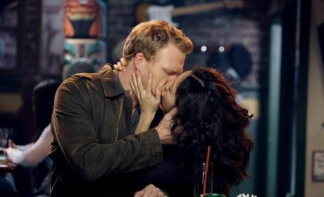 Owen, Cristina Kiss