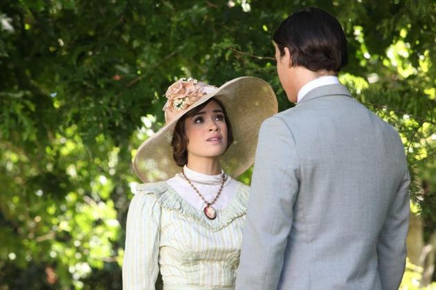 Nicole Gale Anderson on Ravenswood