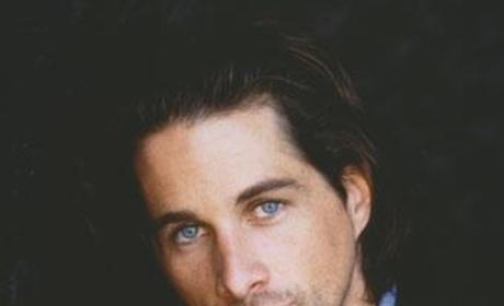 Michael Easton Encourages Charitable Donations