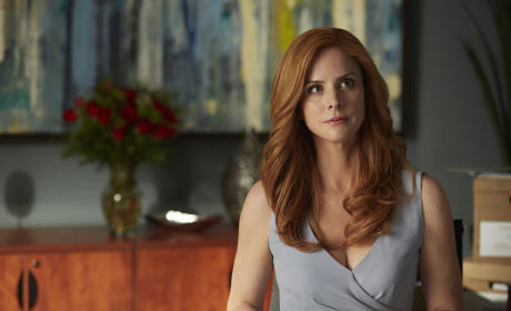 Sarah Rafferty Teases Suits Season 5, Harvey/Donna/Louis Work Triangle