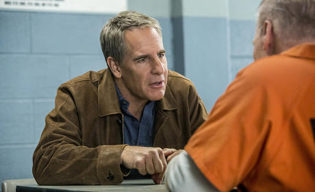 "NCIS New Orleans Scoop: Scott Bakula & Gary Glasberg Tease Tonight's ""Insane"" Episode"