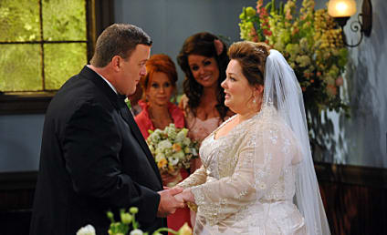 Mike & Molly Review: Tying the Knot
