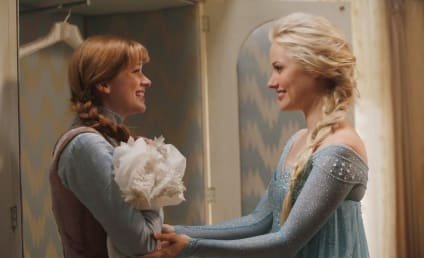 Once Upon a Time Season Premiere Pics: First Frozen Look!