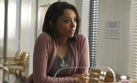 The Vampire Diaries Picture Preview: Is Bonnie Safe?