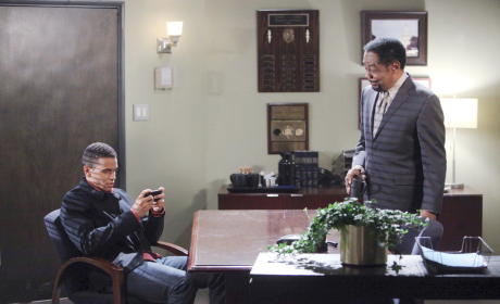 Theo Gets a Text - Days of Our Lives