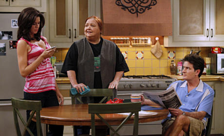 "Two and a Half Men Recap: ""The Two Finger Rule"""