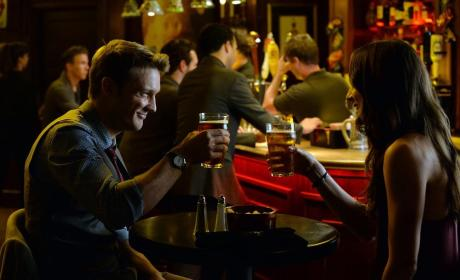 Cheers - Pretty Little Liars Season 5 Episode 22