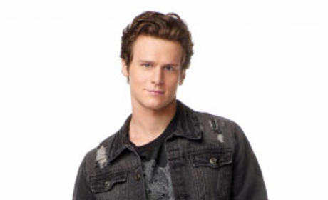 "Glee Tease: Jonathan Groff Confirms Jesse is ""Up to Something"""