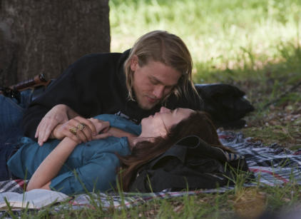 Watch Sons of Anarchy Season 2 Episode 3 Online
