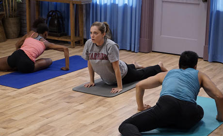 Learning Yoga - Crazy Ex-Girlfriend