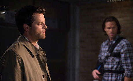 Cas Drops By - Supernatural Season 10 Episode 3