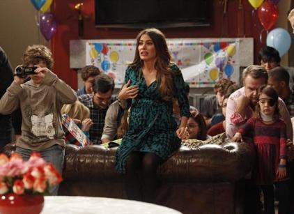 Watch Modern Family Season 4 Episode 12 Online