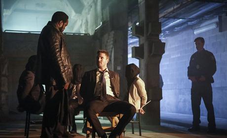 Speaking of Thugs - Arrow Season 5 Episode 1