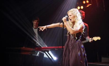 Sing It, Scarlett!