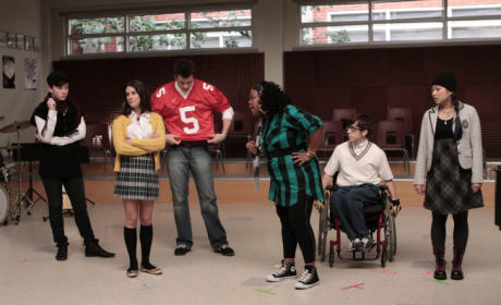 "Glee Recap: ""Showmance"""