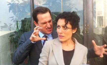 The Good Wife Set Shots: Lisa Edelstein and Josh Charles Tweet Around