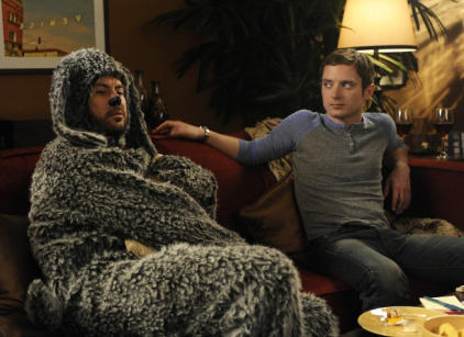 Watch Wilfred Season 1 Episode 11 Online