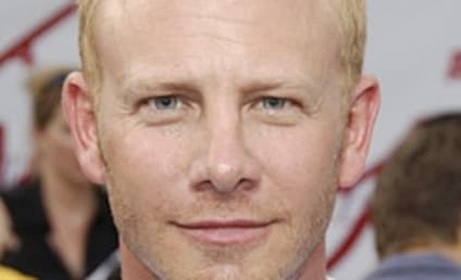 Ian Ziering to Pose in Playgirl?