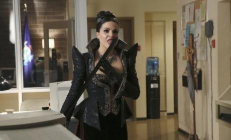 Once Upon a Time Photo Gallery: The Evil Queen is Back!