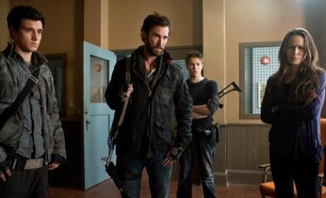 Falling Skies Review: A Blonde Bombshell