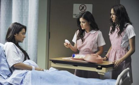 "Pretty Little Liars Review: ""Save the Date"""