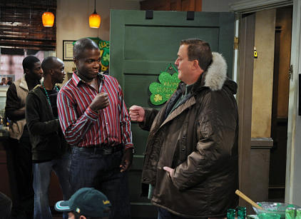Watch Mike & Molly Season 3 Episode 17 Online