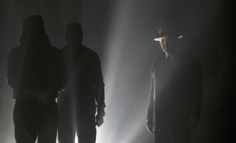 Red hiding in the dark - The Blacklist Season 4 Episode 4