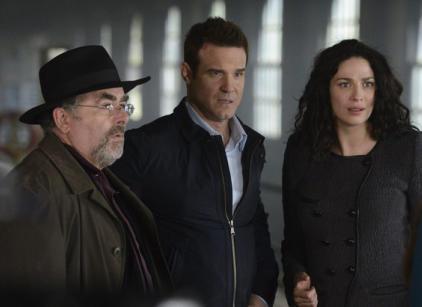 Watch Warehouse 13 Season 4 Episode 18 Online