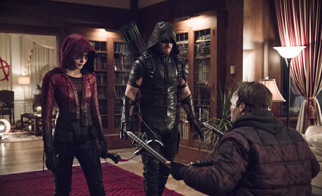 Arrow Photo Preview: Going on a Manhunt