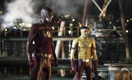 The Flash Season 3 Premiere Photos: Two Flashes, One Well-Known Foe!