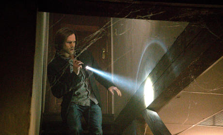 Sam and a Flashlight - Supernatural Season 10 Episode 19